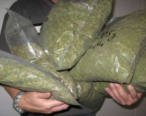 Жителя Саранска задержали с килограммовым мешком марихуаны