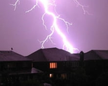 В двух районах Мордовия молния стала причиной пожара