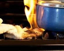 В Саранске одинокая пенсионерка чуть не сгорела, готовя еду