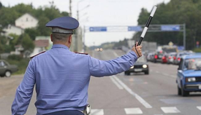В России заработали новые правила для инспекторов ДПС и водителей