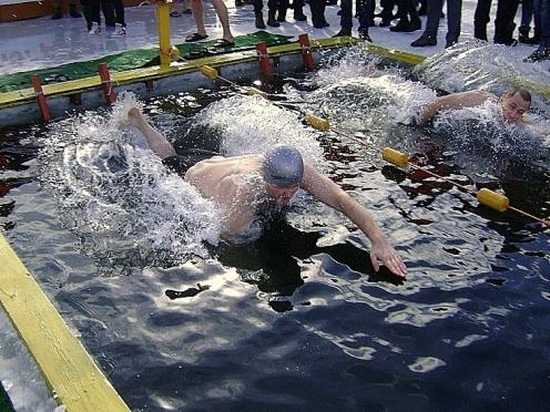 Жителям Мордовии предлагают окунуться в ледяную воду в преддверии женского дня