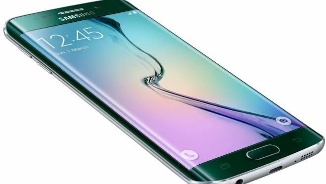 В центрах продаж и обслуживания «Ростелекома» можно купить смартфоны Samsung