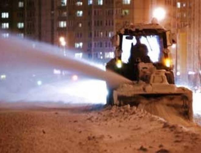 В Саранске на борьбу со снежной стихией бросили более 100 единиц техники
