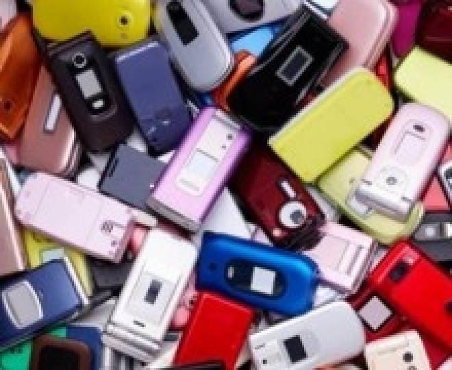 Рузаевцы унесли из магазина 23 телефона и деньги