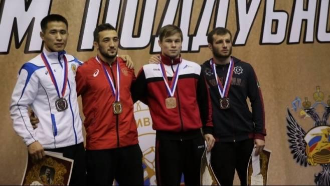 Мордовские борцы вернулись победителями с турнира «Иван Поддубный»