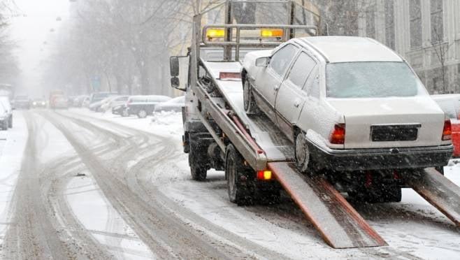 В Саранске мешающие зимней уборке автомобили будут эвакуировать