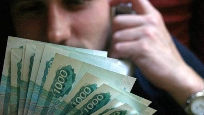 Продавец офиса мобильной связи в Саранске перевёл лже-директору почти 100 тысяч рублей