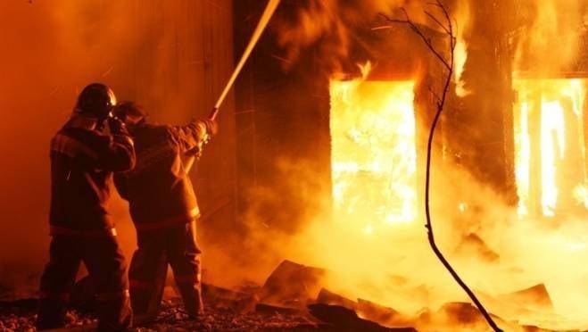 Жилой дом вспыхнул в пригороде Саранска
