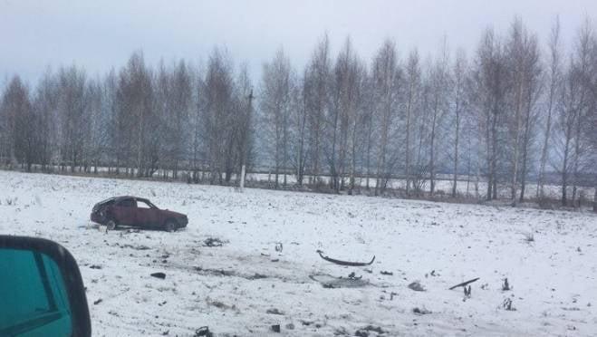 В ДТП с переворотом в Мордовии пострадал водитель отечественной легковушки