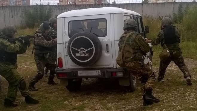 Автомобиль с грабителями в Мордовии бойцы спецназа брали штурмом