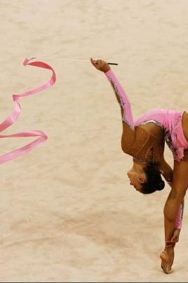 Соревнования по художественной гимнастике постер