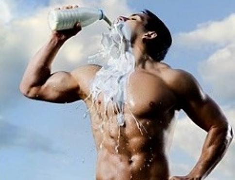 Хочешь мышцы? Пей молоко!