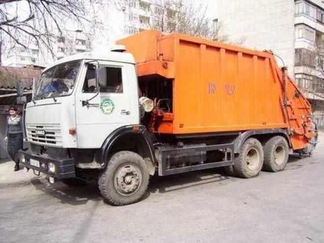 В Саранске мусоровоз раздавил человека
