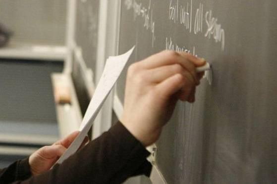 В 2015 году зарплата учителей в Мордовии вырастет на 15-16%