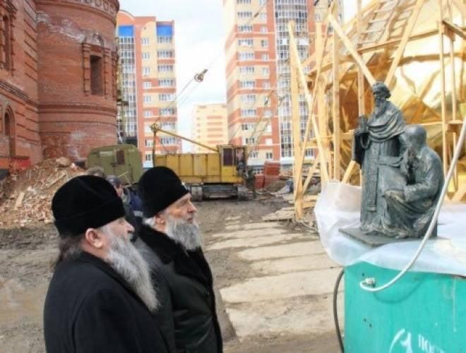В Саранске торжественно освятят купола храма Мефодия и Кирилла