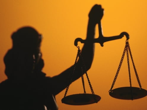 В Саранске прения по делу в отношении директора школы идут не только в суде