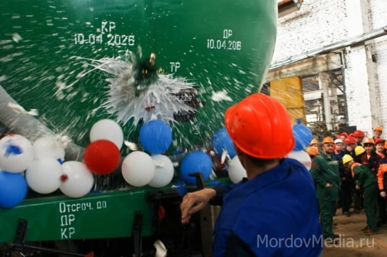 термобелье бутылки шампанского не разбившиеся о борт корабля 100 рублей кальсоны