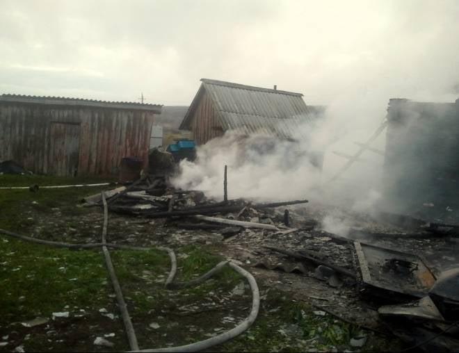 В Мордовии сын вытащил мать из горящего дома и не успел спасти отца