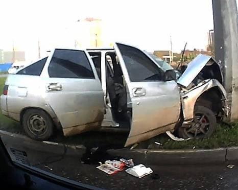 В Саранске таксист «влетел» в столб