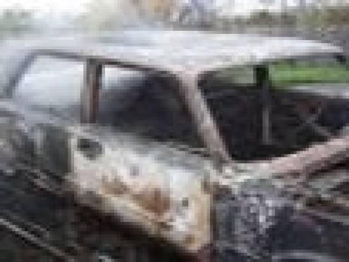 В Мордовии четыре парня угнали и сожгли «пятерку»