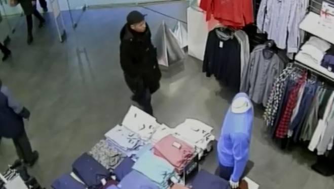 Кража из ТРЦ в Саранске у неизвестного мужчины заняла всего 5 минут