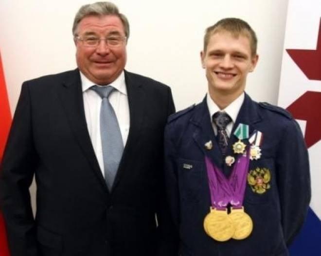 Глава Мордовии пообещал трехкратному чемпиону Паралимпиады-2012 квартиру
