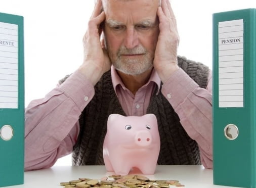 В России большинство работающих пенсионеров недовольны условиями труда