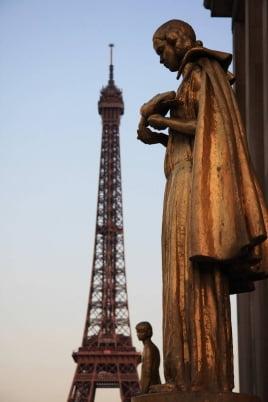 Прогулка по Парижу постер