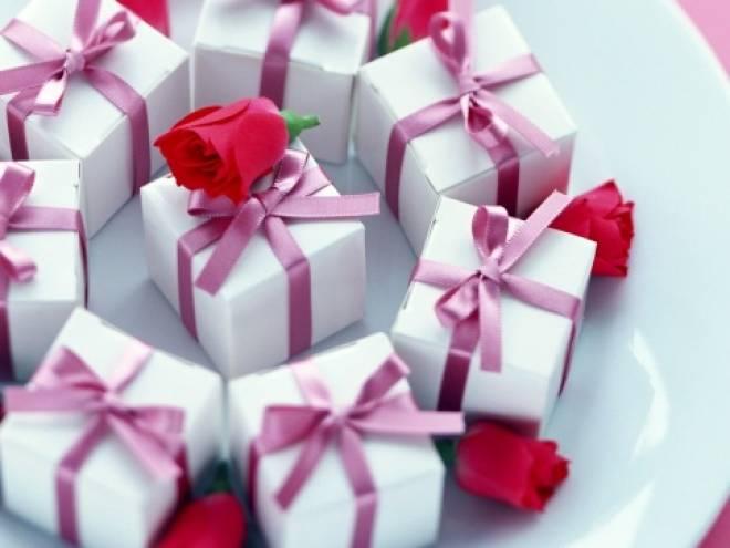 Почта России поможет поздравить близких с праздниками