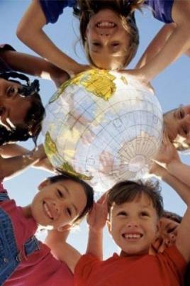 Мир принадлежит детям постер