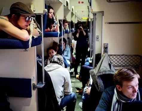 пассажирки поезда без трусов