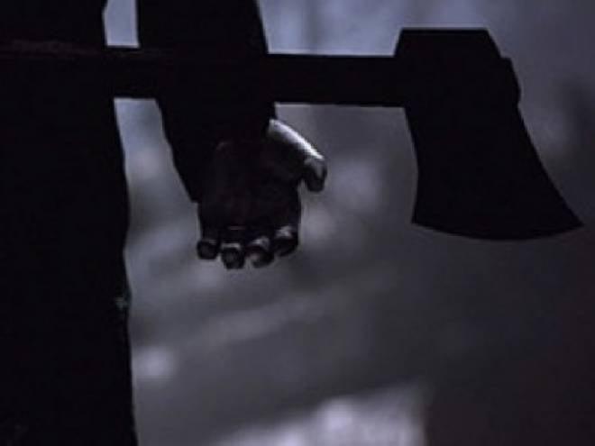 Житель Мордовии не нашёл знакомого и начал махать топором