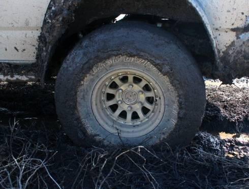 В Мордовии пасынок-угонщик завяз в грязи на машине отчима