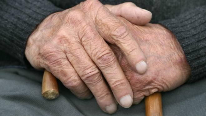 Беззащитного пенсионера в Мордовии дважды грабили наглые соседи-уголовники