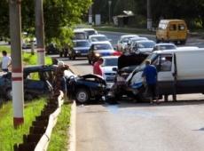 Страшное ДТП в Саранске: столкнулись микроавтобус и две иномарки