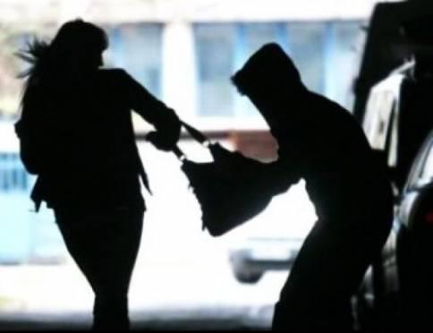 В Саранске отправили в колонию грабителя, напавшего на девушку на остановке