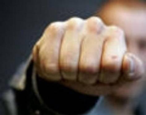 В Саранске 18-летний молодчик избил и ограбил пожилого мужчину