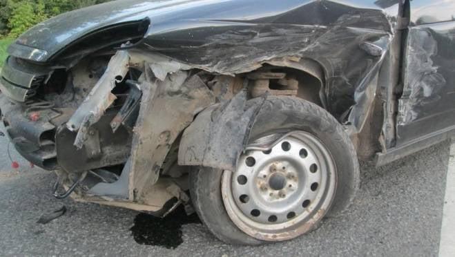 Молодой водитель «Приоры» в Ковылкино протаранил «Волгу», пострадала студентка