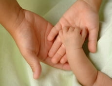 Периоды ухода за детьми включаются в страховой стаж