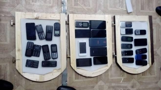 Партию сотовых телефонов прислали в колонию Мордовии в заготовках для икон