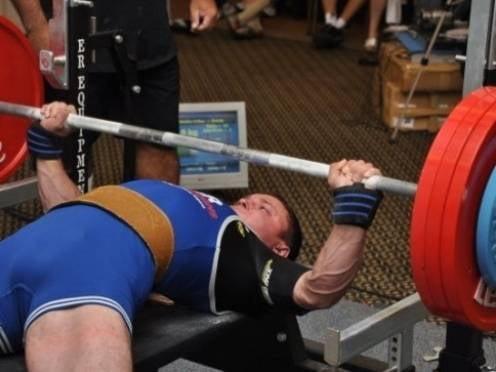 Представитель Мордовии «поднял» мировое «золото», дважды установив рекорд России