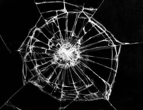 В Саранске пассажиры «Газели» поколотили стёкла ВАЗа