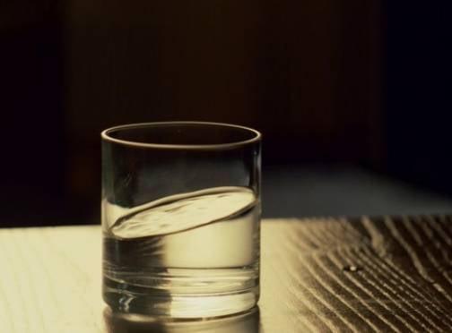 Пенсионеры из Мордовии подали гостям стакан воды и остались без денег