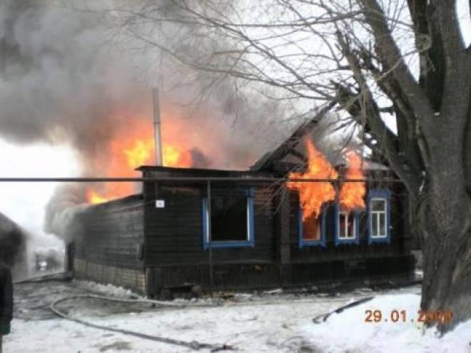 В Мордовии при пожаре едва не погиб пятилетний ребенок
