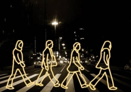 В России пешеходов обязали носить фликеры