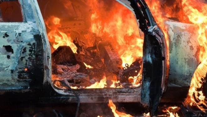 Пожар уничтожил в Мордовии 23-летнюю «Волгу»