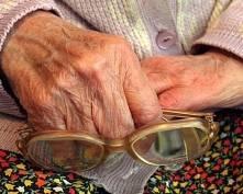 В Саранске бабушка отдала мошенникам за замену лампочек 90 тыс рублей
