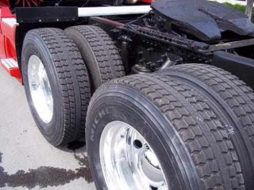 В Мордовии под колесами грузовика погиб пенсионер