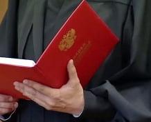 В Мордовии мужчину осудили за надругательство над женщиной и её душевнобольной дочерью