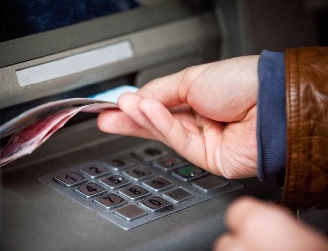 В Саранске задержан «счастливчик», забравший из банкомата чужие деньги